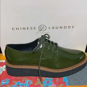 Chinese Laundry Shoes - NIB CHINESE LAUNDRY CECILIA OXFORD PATENT OLIVE